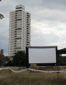 Shuffle cinema screen