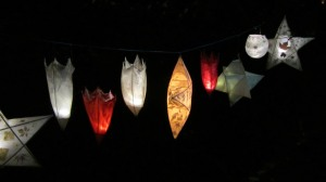 lanterns-on-the-trail