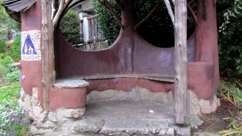 hostel-bench-cobhouse