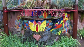 sunnyside-piazza-sign