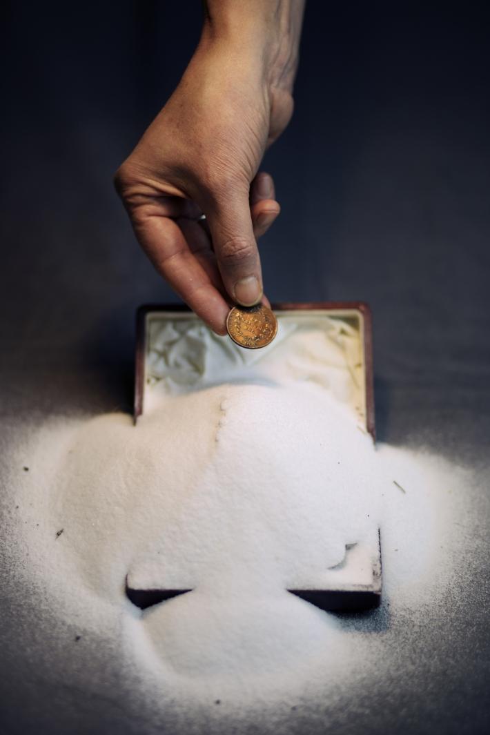 Hand Salt Coin 1 Common Salt